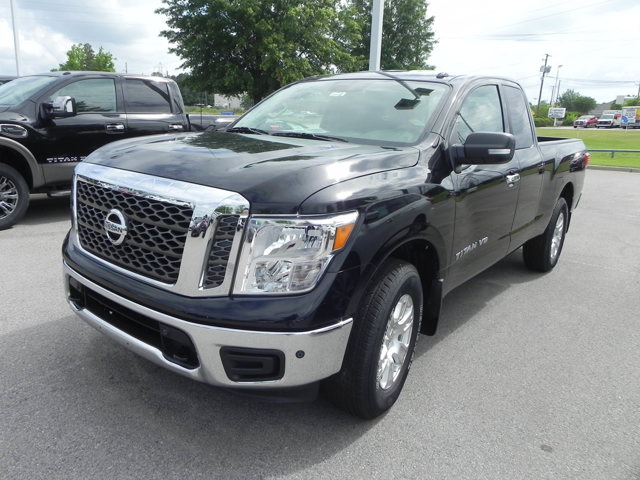 Awesome 2018 Nissan Titan SV V8G King Cab 4WD